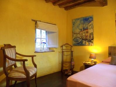 Miche and Pia's bedroom/La camera di Miche e Pia