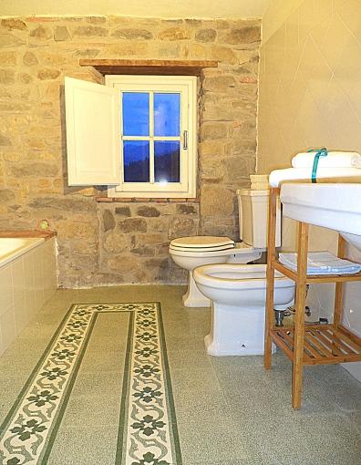 Bathroom2/Stanza da bagno2