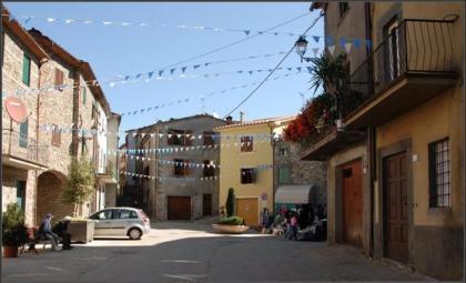 Main square o Corsagna/La piazza principale